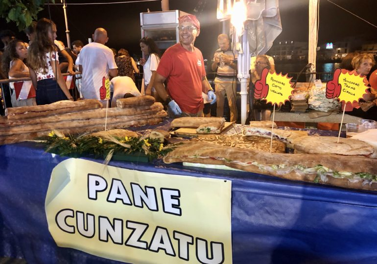 Buon cibo e una cassata siciliana da 150 kg