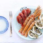 Un tuffo nel mare gustando la Sicilia nel piatto