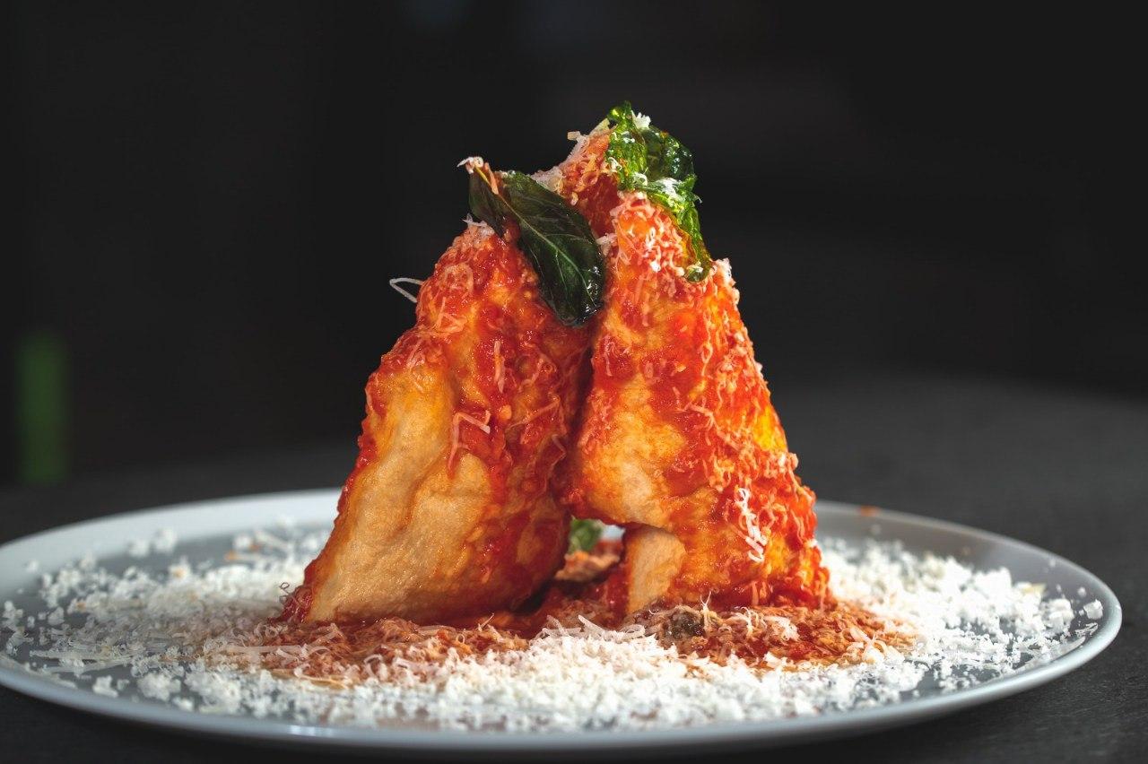 Pizza fritta ispirata a San Gennaro